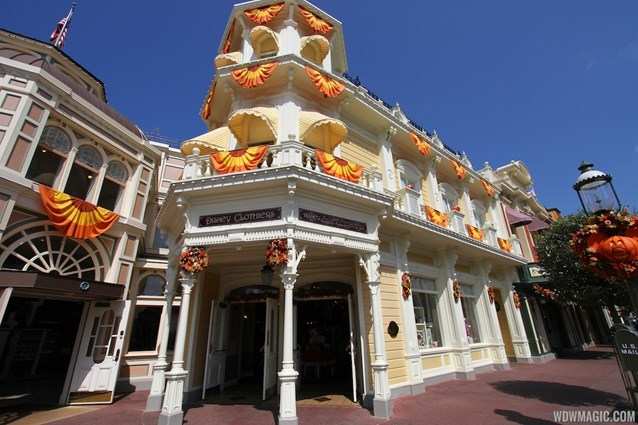 Mickey's Not-So-Scary Halloween Party - Magic Kingdom's 2013 Halloween decorations - Emporium
