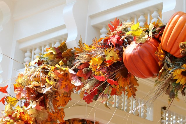 Mickey's Not-So-Scary Halloween Party - Magic Kingdom's 2013 Halloween decorations - Close up of decorations