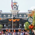 Mickey's Not-So-Scary Halloween Party - Magic Kingdom's 2013 Halloween decorations - Mai Street train station