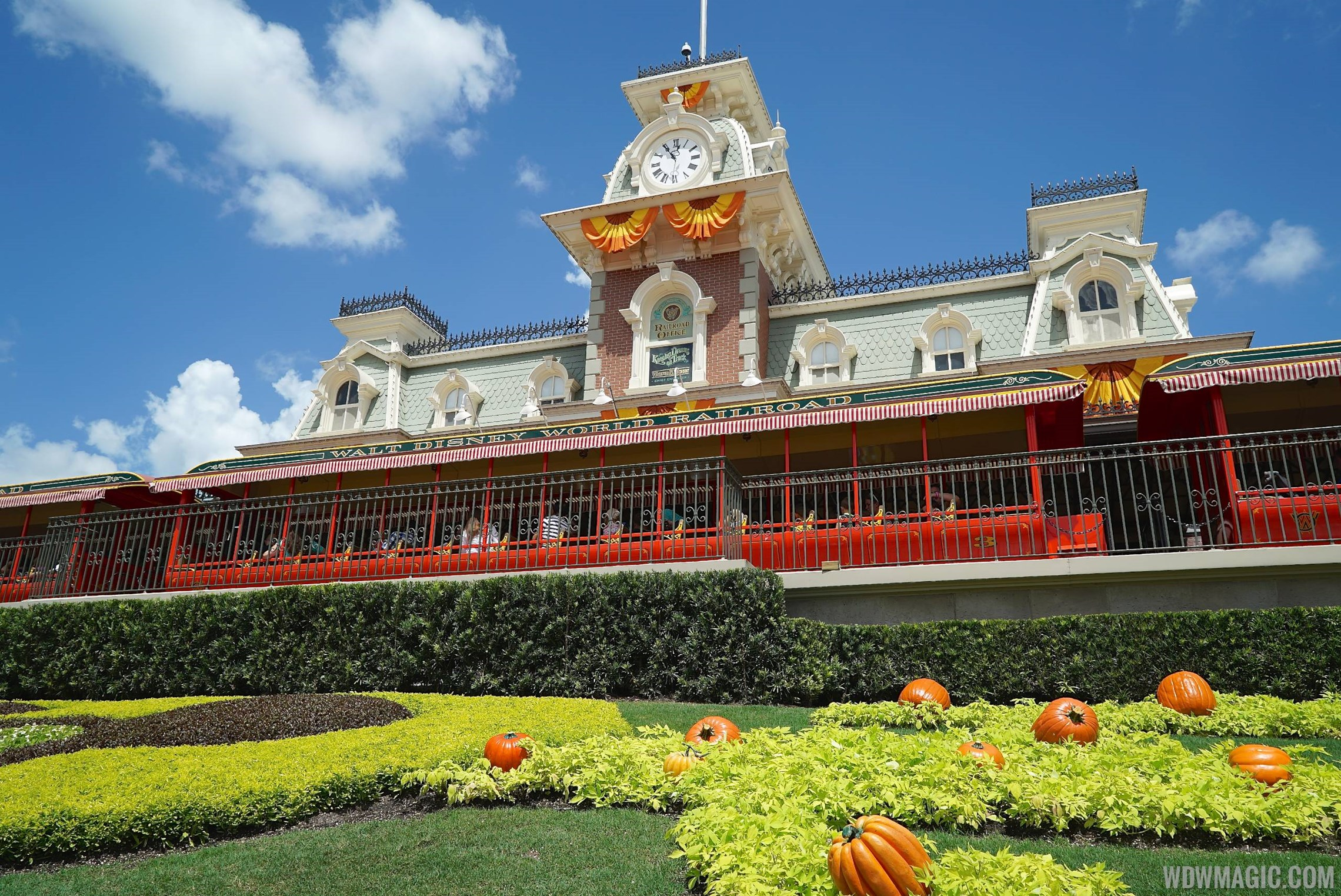 Magic Kingdom's fall Halloween decorations 2014