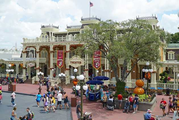 halloween decorations to be installed on aug 29 at the magic kingdom