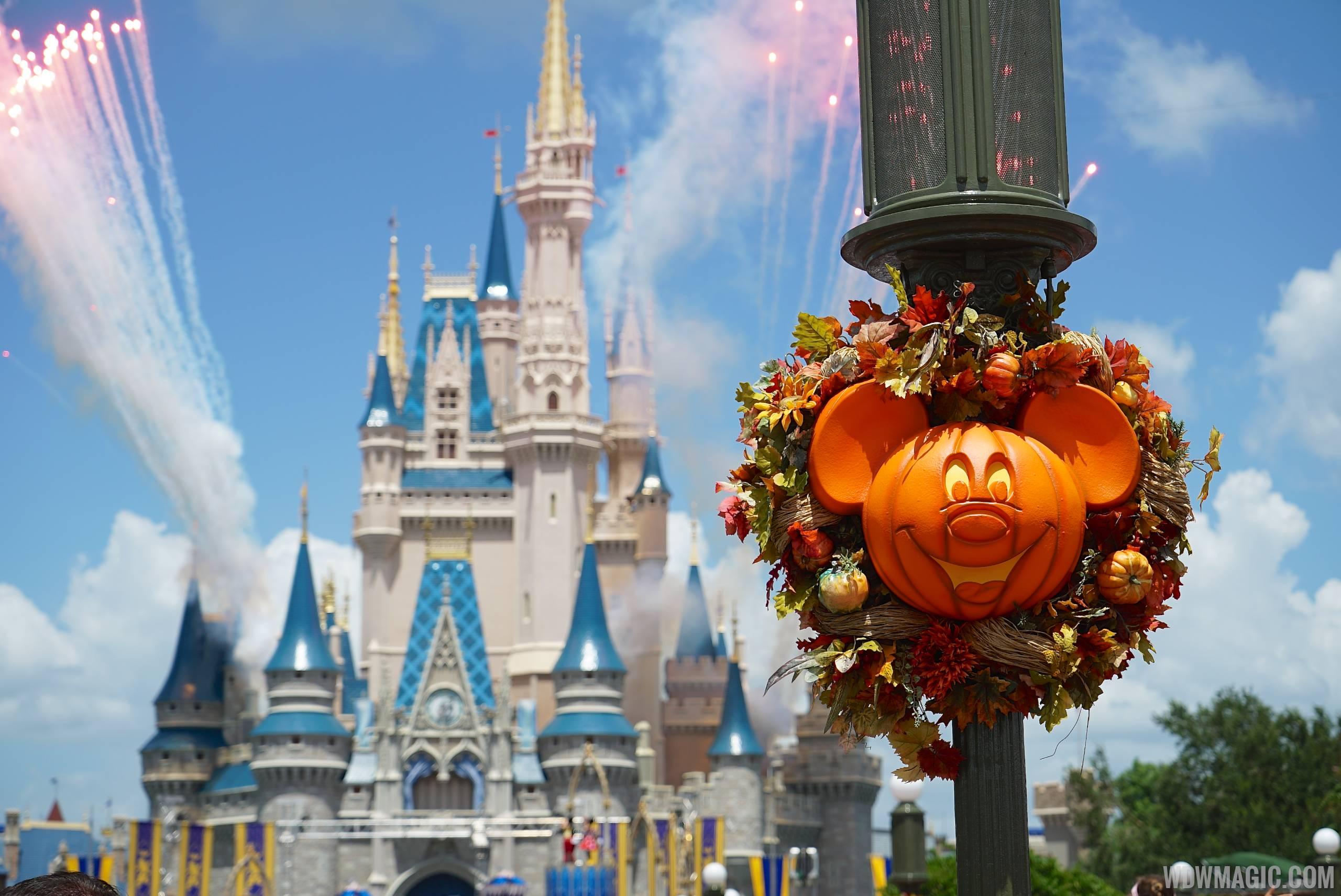 magic kingdoms fall halloween decorations 2014 photo 1 of 37 - Disney World Halloween Decorations