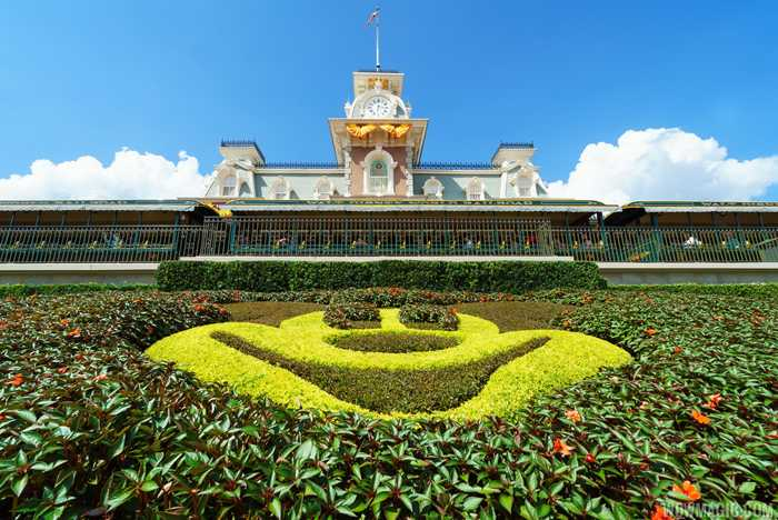 Magic Kingdom's fall Halloween decorations 2016