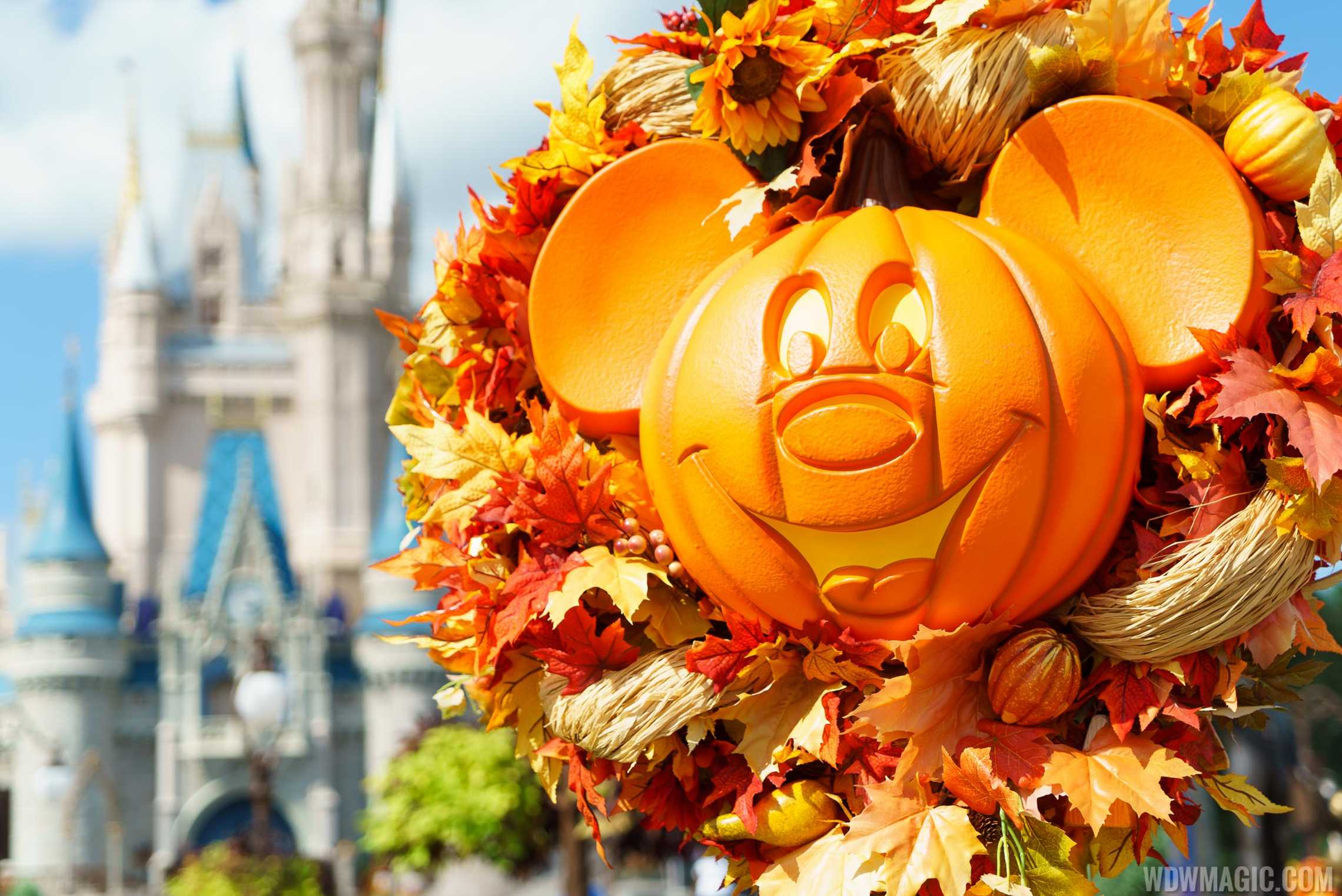 photos halloween decorations at the magic kingdom