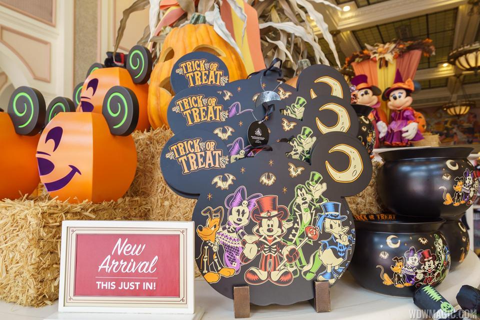 magic kingdoms fall halloween decorations 2017