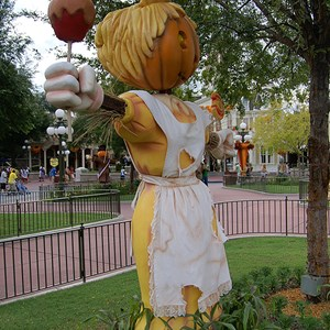 10 of 18: Mickey's Not-So-Scary Halloween Party - Halloween decorations installation