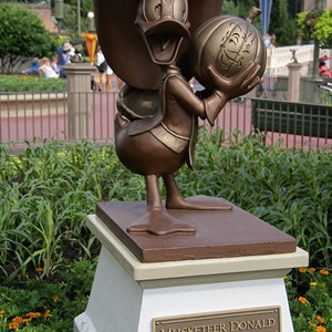 2 of 4: Mickey's Not-So-Scary Halloween Party - New hub statues