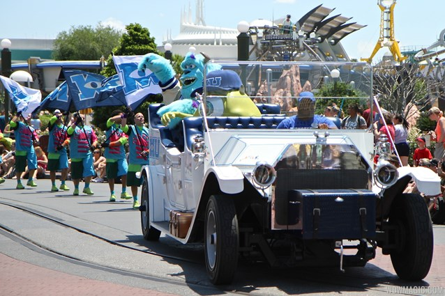 Monstrous Summer - Monstrous Summer pre-parade grand marshals car
