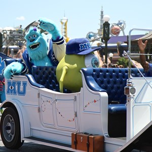 4 of 9: Monstrous Summer - Monstrous Summer pre-parade Mike and Sulley