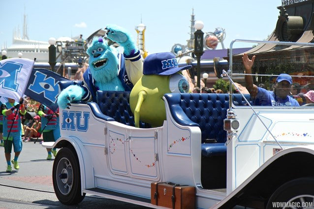 Monstrous Summer - Monstrous Summer pre-parade Mike and Sulley