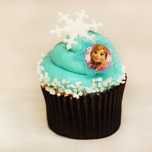 3 of 6: Rock Your Disney Side 24 Hours - Rock Your Disney Side snacks - Frozen-themed Cupcake