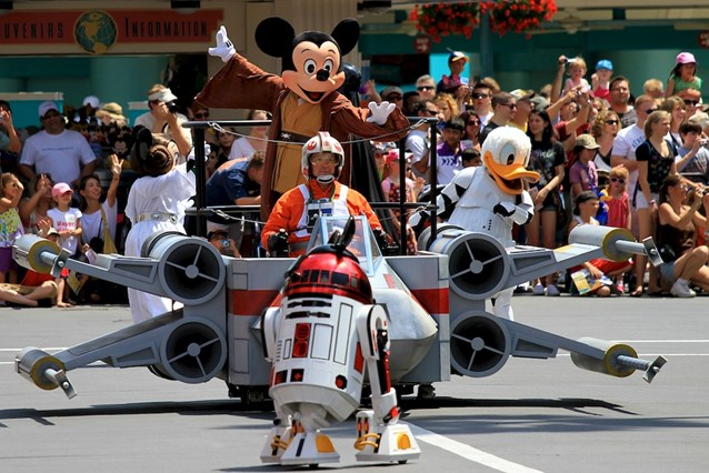 Star Wars Weekends - Jedi Mickey, R2-MK, Donald Duck, and Minnie
