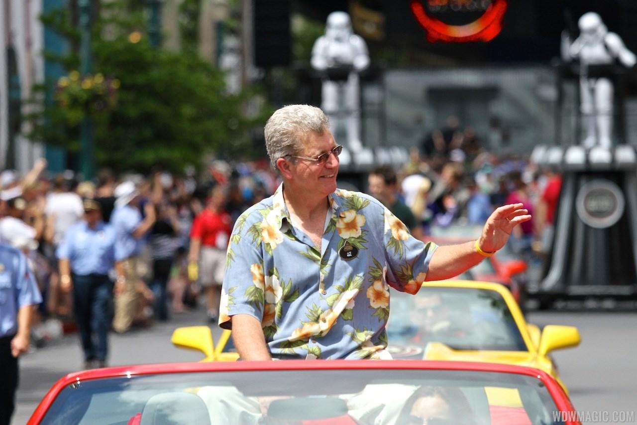 2013 Star Wars Weekends - Weekend 3 Legends of the Force motorcade celebrities