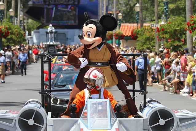 Star Wars Weekends - 2014 Star Wars Weekends - Weekend 1 Legends of the Force motorcade - Mickey Mouse