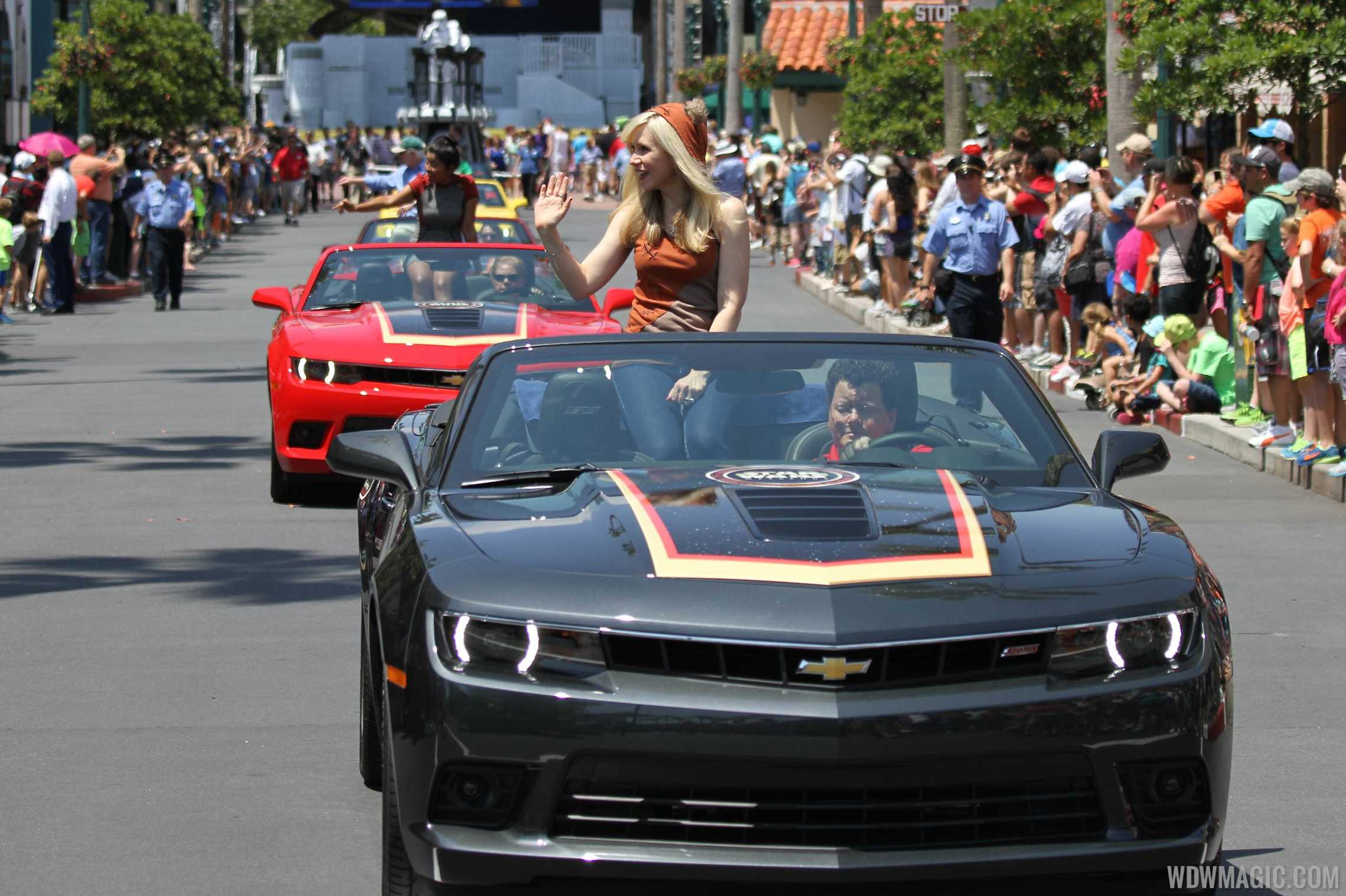 2014 Star Wars Weekends - Weekend 2 Legends of the Force motorcade - Ashley Eckstein