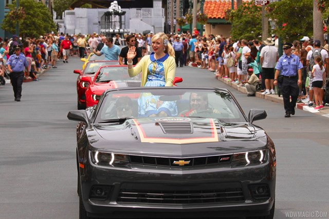 2014 Star Wars Weekends - Weekend 3 Legends of the Force motorcade celebrities - Ashley Eckstein