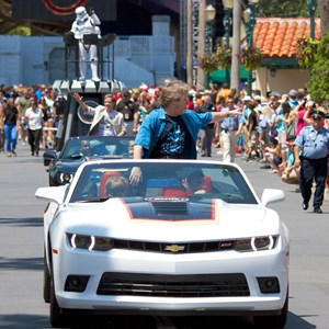 3 of 6: Star Wars Weekends - Mark Hamill at Star Wars Weekends - Legends of the Force Motorcade