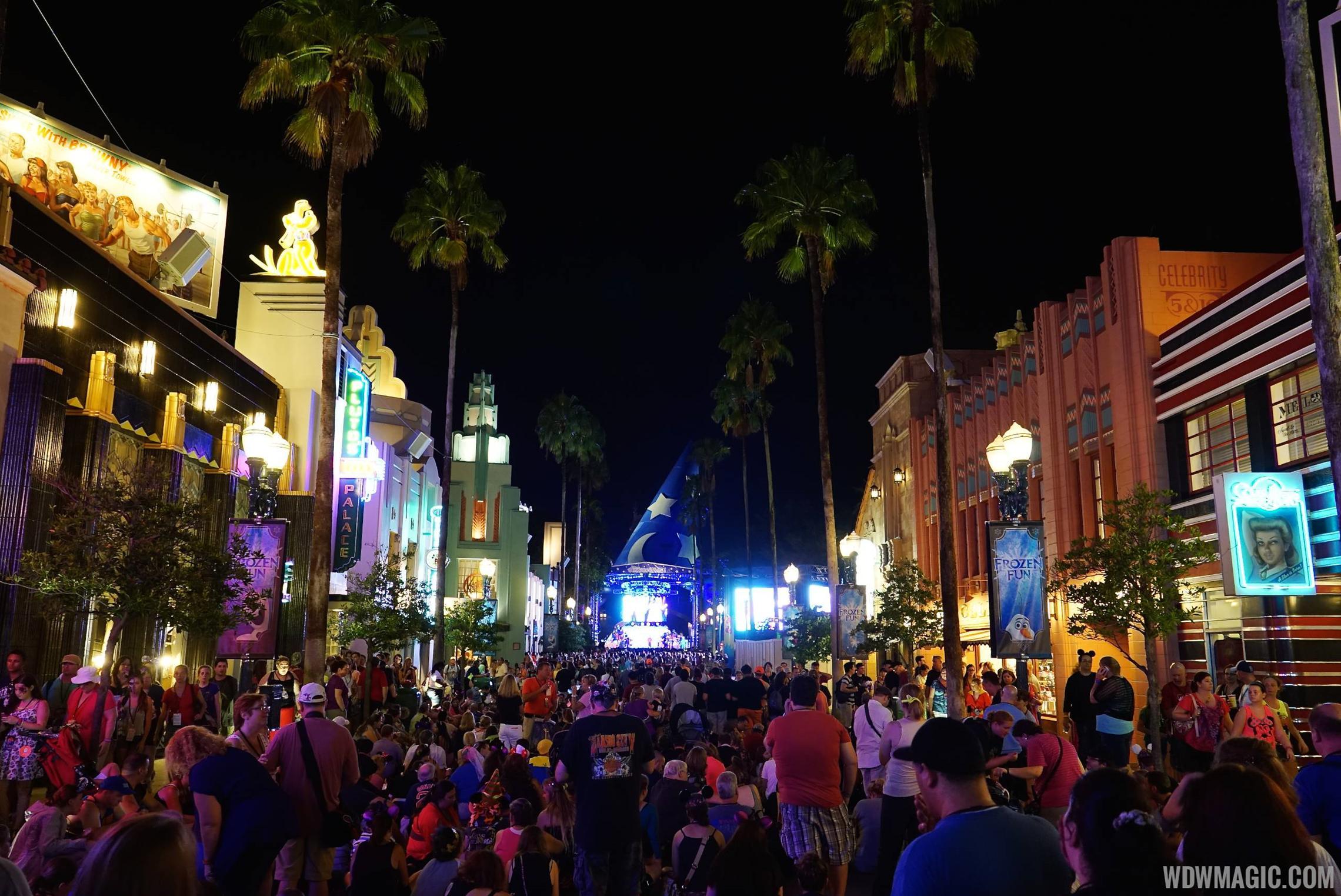 Villains Unleashed - Hollywood Blvd crowds