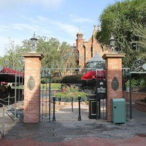 1 of 11: FASTPASS - FASTPASS+ setup at the Haunted Mansion