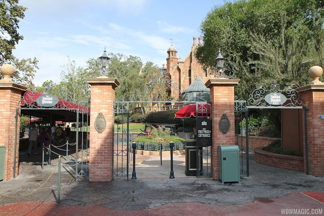 FASTPASS - FASTPASS+ setup at the Haunted Mansion