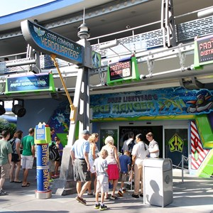9 of 11: FASTPASS - FASTPASS+ setup at Buzz Lightyear