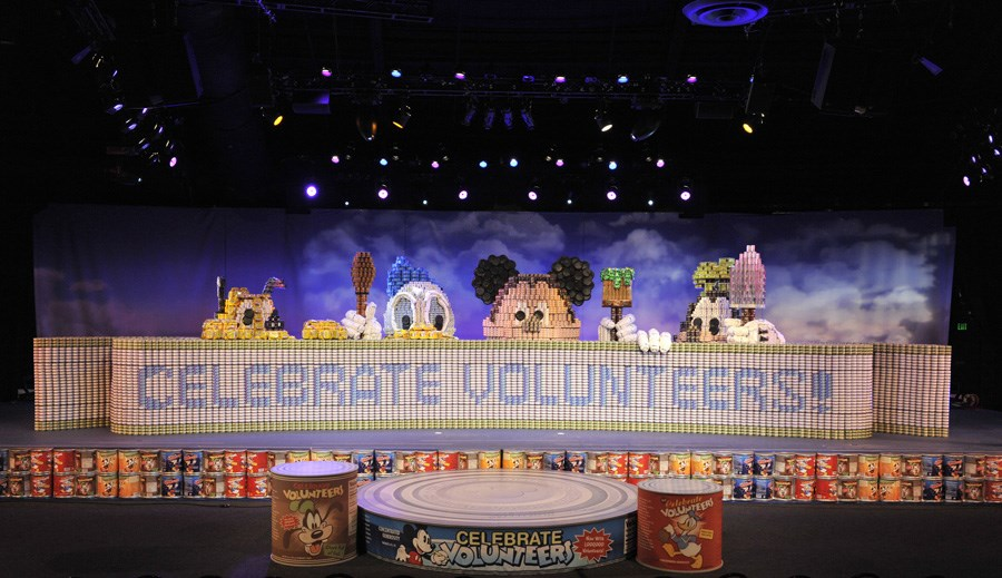 Canned Goods sculpture seta a Guinness World Record