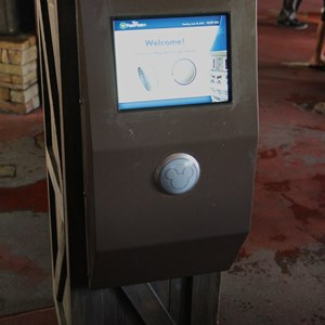 3 of 4: MyMagic+ - FASTPASS+ kiosk at Splash Mountain