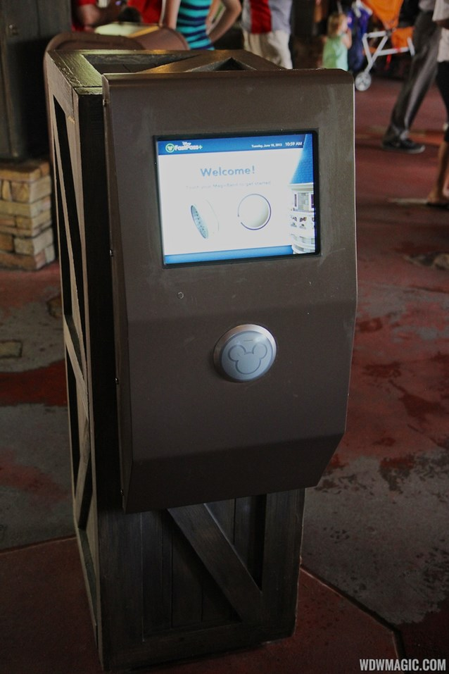 MyMagic+ - FASTPASS+ kiosk at Splash Mountain