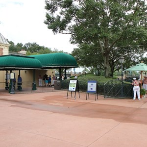 3 of 3: MyMagic+ - MyMagic+ RFID turnstiles work at Epcot's International Gateway