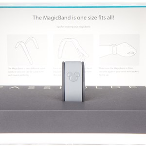 3 of 7: MyMagic+ - MyMagic Passholder MagicBand unboxing