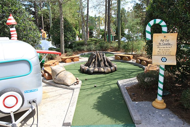 Winter Summerland Mini Golf - Hole 4