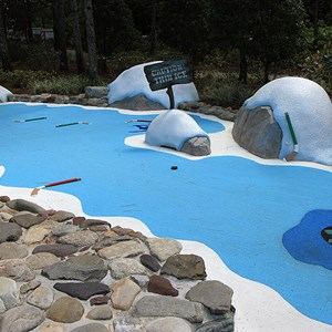 5 of 18: Winter Summerland Mini Golf - Hole 5