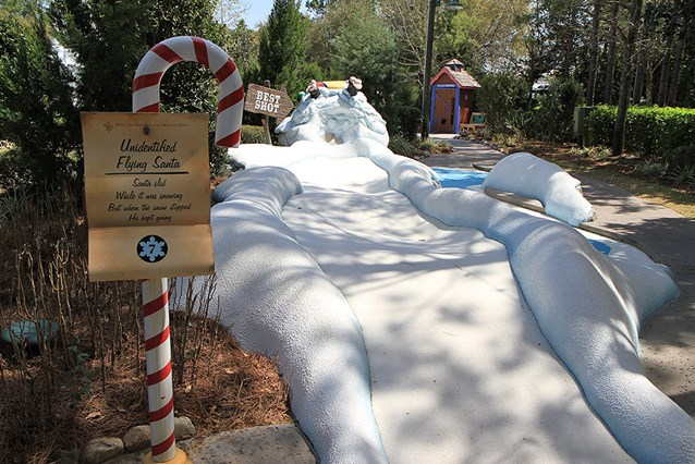 Winter Summerland Mini Golf - Hole 7