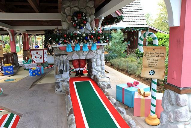 Winter Summerland Mini Golf - Hole 16