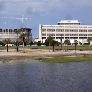 6 of 7: Bay Lake Tower at Disney's Contemporary Resort - Latest Bay Lake Tower construction photos