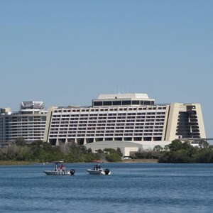 1 of 18: Bay Lake Tower at Disney's Contemporary Resort - Latest Bay Lake Tower construction photos