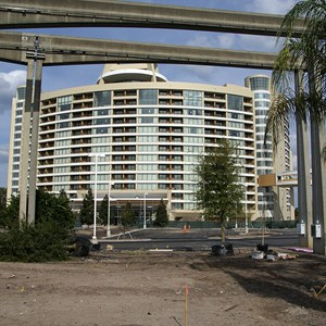 2 of 10: Bay Lake Tower at Disney's Contemporary Resort - Latest Bay Lake Tower construction photos