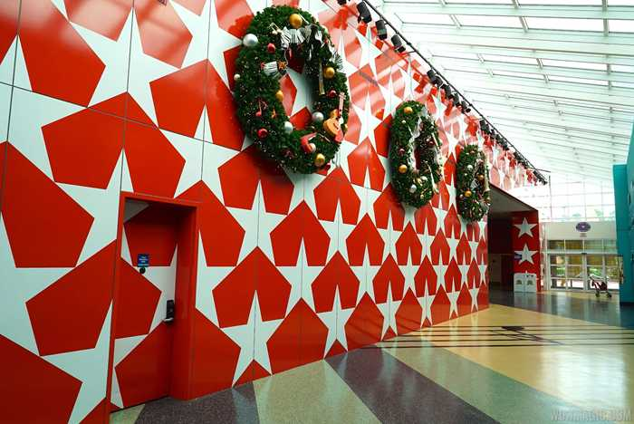 2014 All Star Music Resort holiday decorations