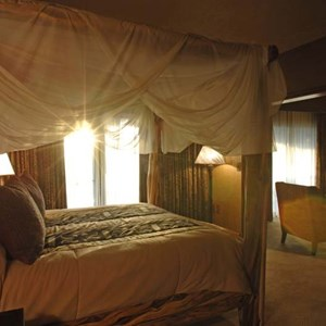 4 of 17: Disney's Animal Kingdom Lodge - Animal Kingdom Lodge Presidential Suite