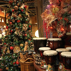 7 of 16: Disney's Animal Kingdom Lodge - Animal Kingdom Lodge holiday decorations 2009