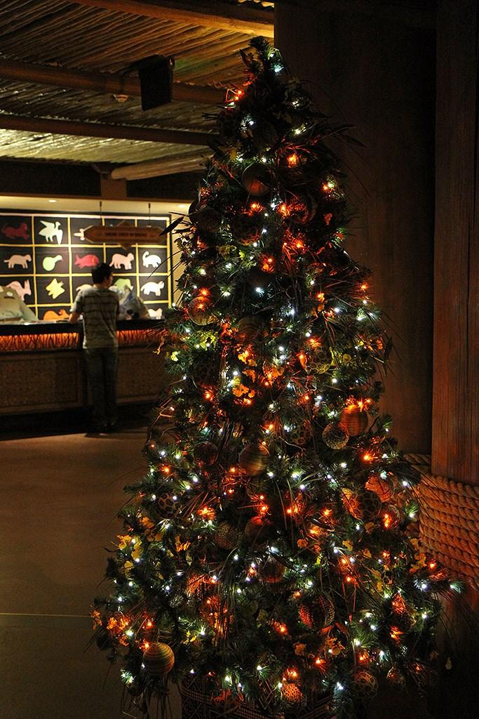 Animal Kingdom Lodge holiday decorations 2009