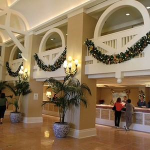 6 of 16: Disney's Beach Club Resort - Beach Club Resort holiday decorations 2009