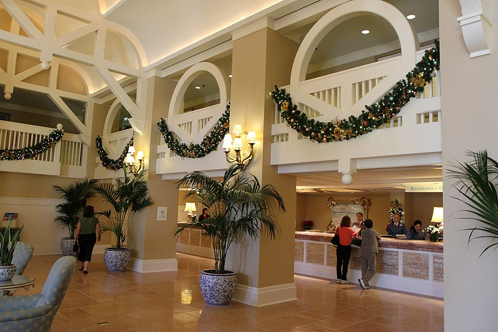 Beach Club Resort holiday decorations 2009