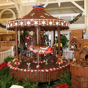 9 of 16: Disney's Beach Club Resort - Beach Club Resort holiday decorations 2009