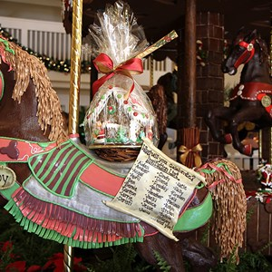 11 of 16: Disney's Beach Club Resort - Beach Club Resort holiday decorations 2009