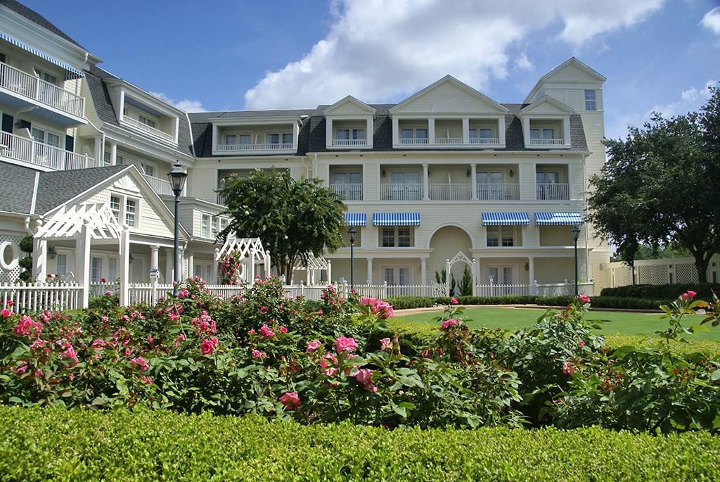 Boardwalk Inn buildings and grounds