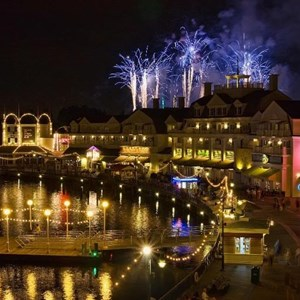 3 of 4: Disney's BoardWalk Inn - IllumiNations Reflections of Earth over the Boardwalk