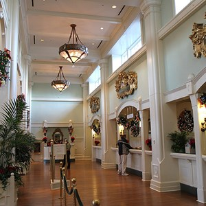 3 of 24: Disney's BoardWalk Inn - Disney's BoardWalk Inn holiday decorations 2009