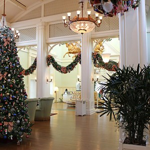 2 of 24: Disney's BoardWalk Inn - Disney's BoardWalk Inn holiday decorations 2009