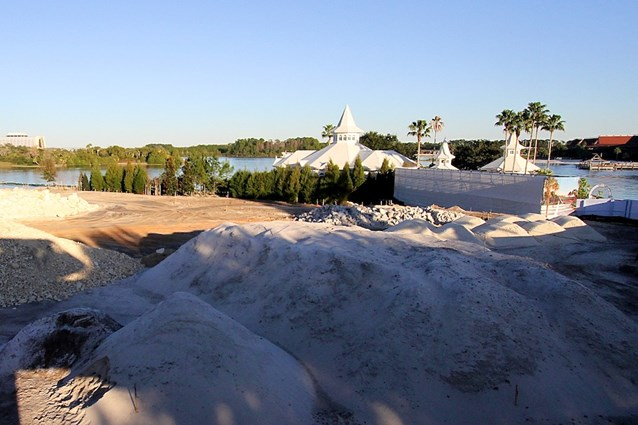 The Villas at Disney's Grand Floridian Resort - Line of trees added next to the Wedding Pavilion